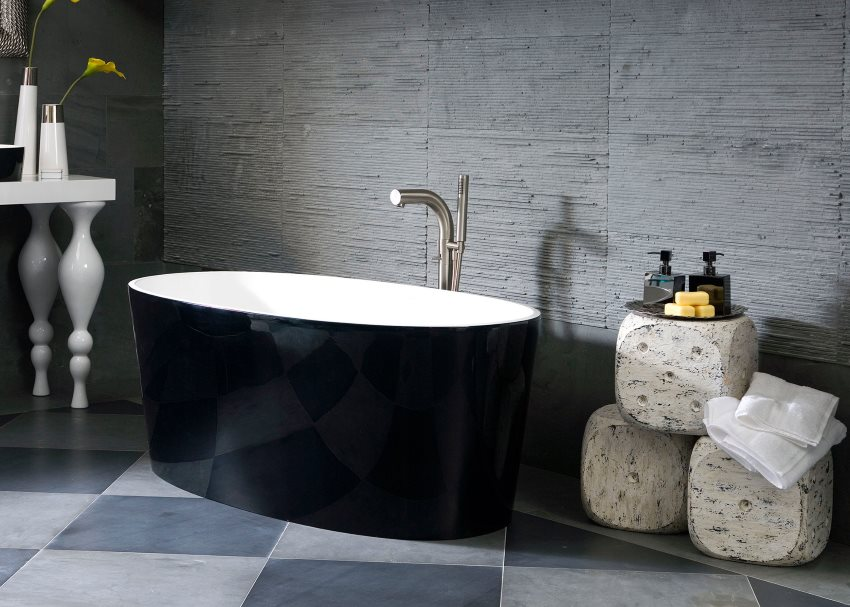 Ванна из литьевого мрамора с черной внешней стенкой