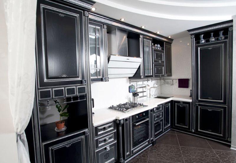Черная кухня угловой планировки