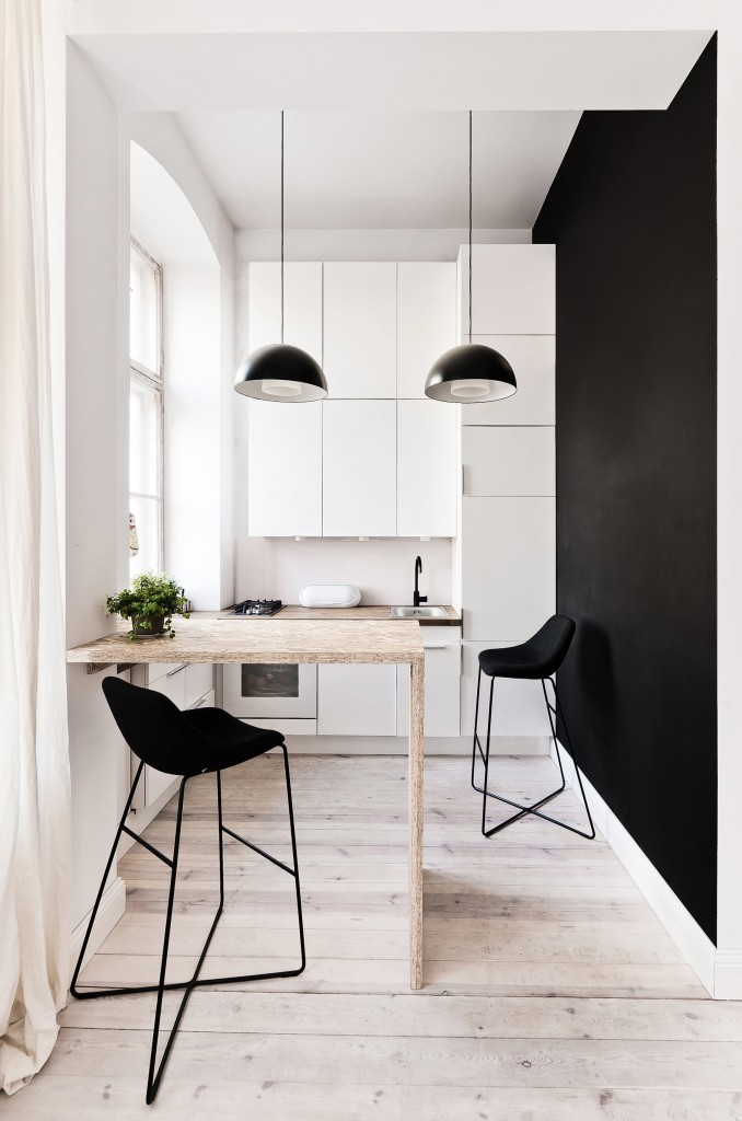 Черно-белая кухня площадью 12 квадратов
