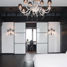 черно белая квартира интерьер