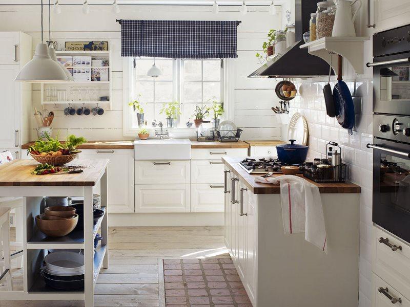 Декор белой кухни в стиле кантри