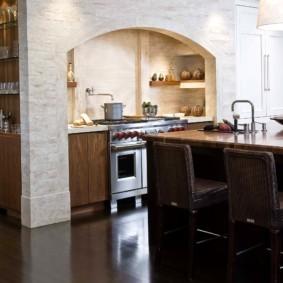 дизайн кухни с аркой интерьер фото