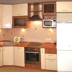 дизайн кухни с вентиляционным коробом идеи