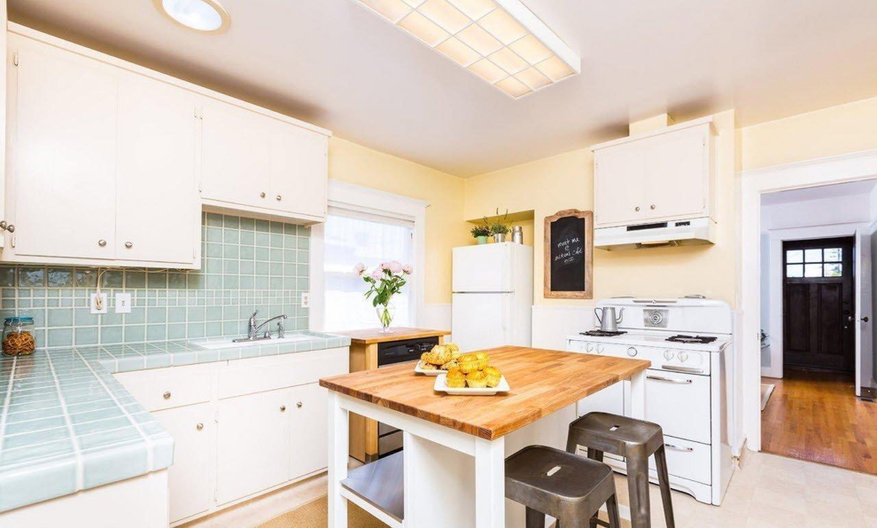 кухня в загородном доме виды фото
