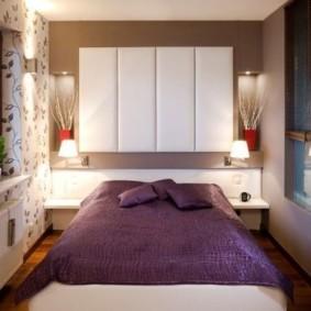 дизайн спальни с кроватью у окна
