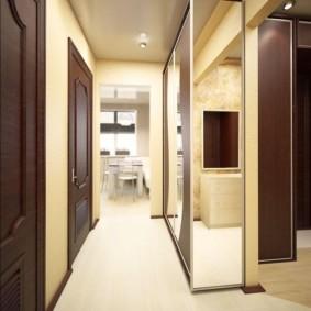 длинный коридор в квартире фото интерьер