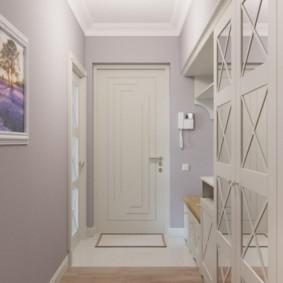 светлый длинный коридор в квартире