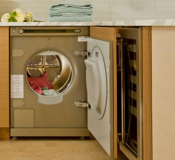Встроенная стиральная машина в мебельном гарнитуре