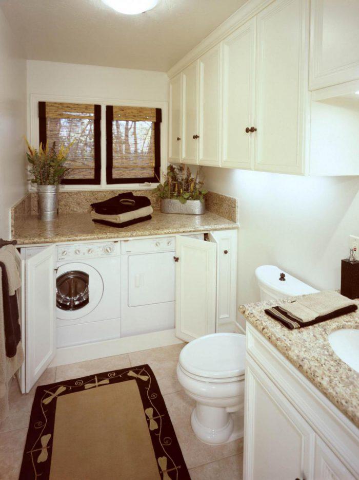 Место для стиральной машины в ванной загородного дома