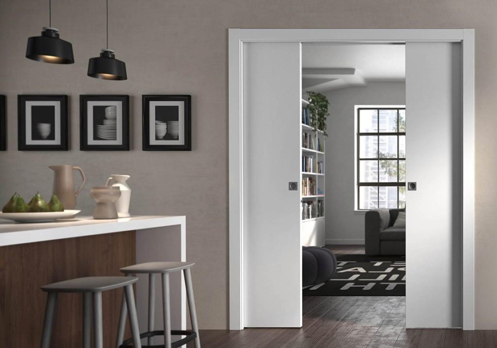 Белая раздвижная дверь из ламинированного МДФ