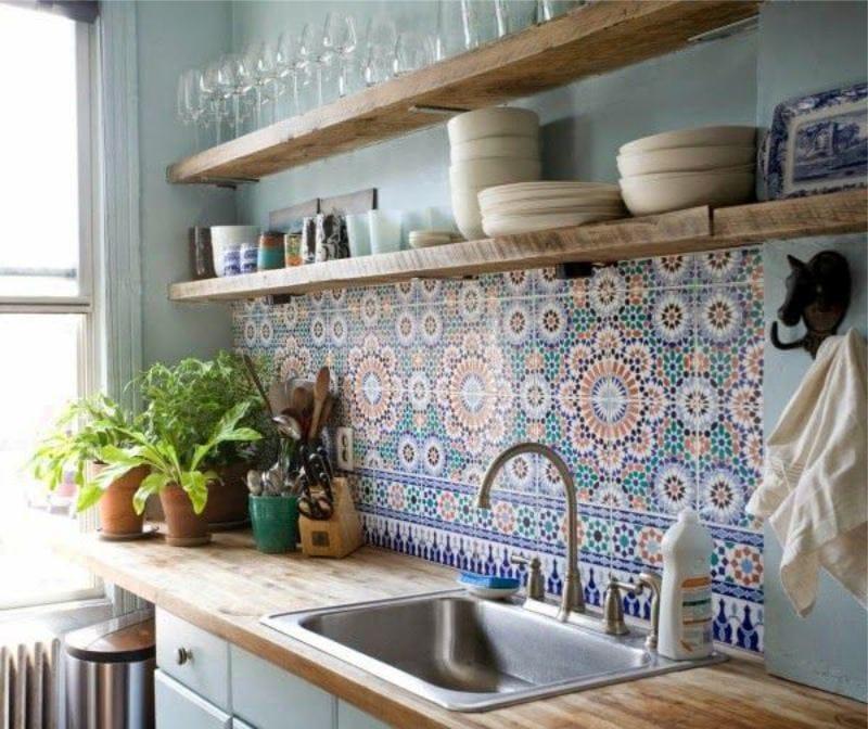 кухня в средиземноморском стиле фартук