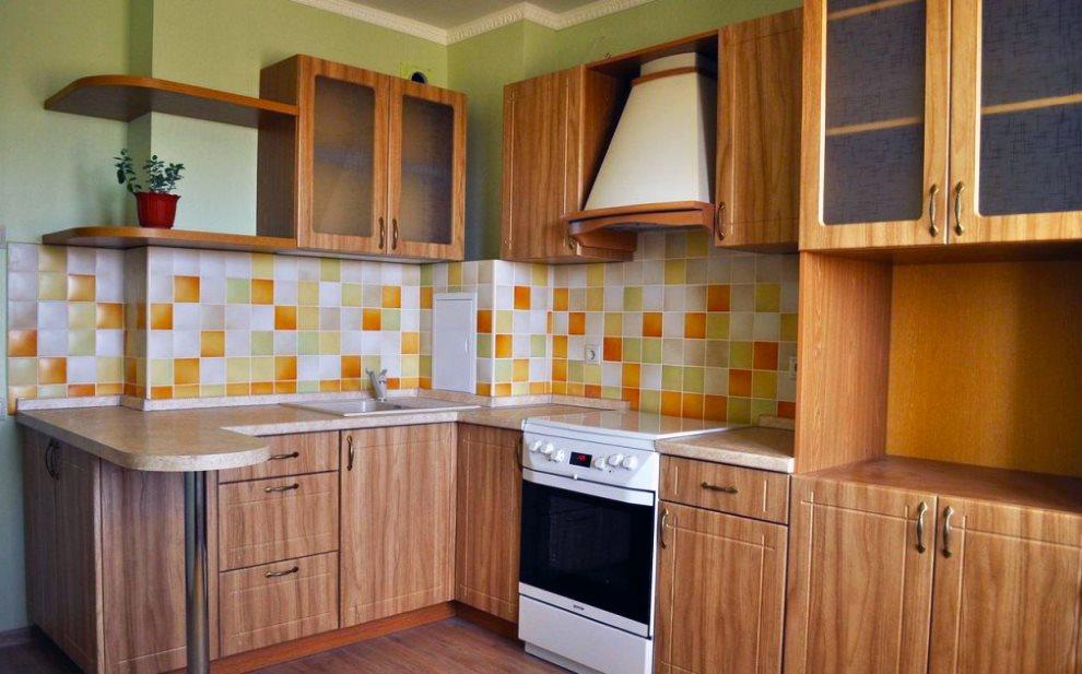 Угловая кухня с фасадами из МДФ