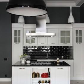 Металлический плафон кухонного светильника