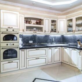 Угловой гарнитур для кухни в стиле прованс