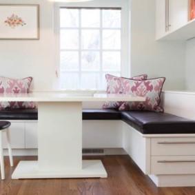 Диван-скамья с выдвижными ящиками