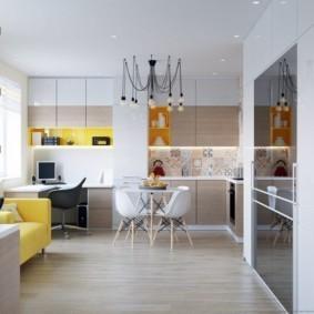 Лампочки на проводах над кухонным столом