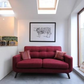 Раскладной диван с тканевой обивкой