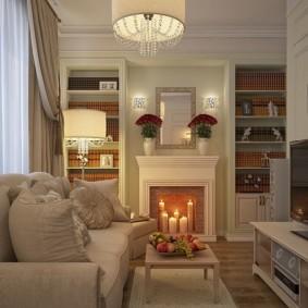 Свечи в фальш-камине в гостиной комнате