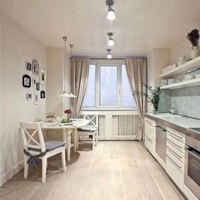 Ламинированный пол в кухне с прямым гарнитуром