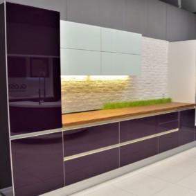 Стеклянные фасады фиолетового цвета