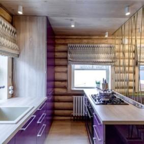 Кухня в деревянном доме из бревен