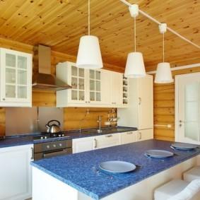 Синяя столешница кухонного острова