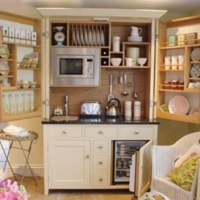 Кухонный комод с распашными створками