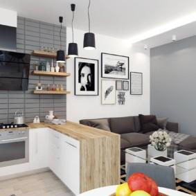 Декорирование фотографиями стены над диваном