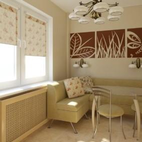 Модульные картины на стене кухни
