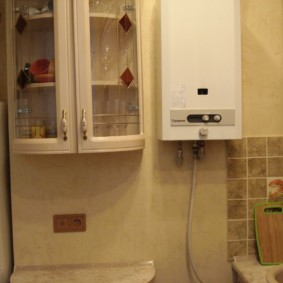 Стеклянные дверцы кухонной мебели