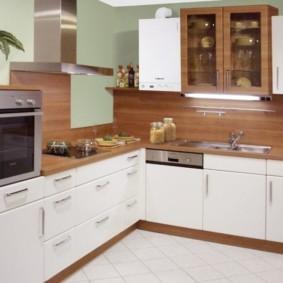 Встроенная техника в угловой кухне