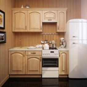 Линейный гарнитур с белым холодильником