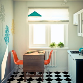 Диагональная укладка плитки на полу кухни