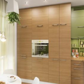 Дизайн кухни со шкафами до потолка