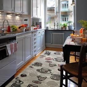 Рисунки посуды на синтетическом коврике