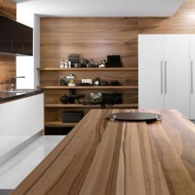 Деревянные поверхности в современной кухне