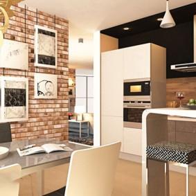 Картины на кирпичной стене кухни