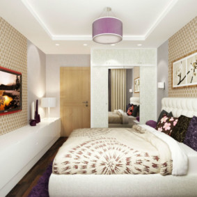 Потолочный светильник с фиолетовым плафоном