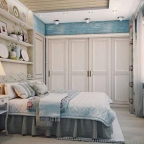 Деревенская спальня для молодой девушки