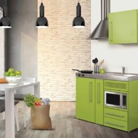 Зеленая мини-кухня в современном стиле