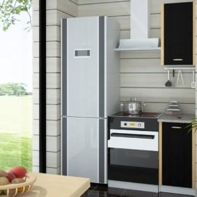 Узкий холодильник в комплекте мини-кухни
