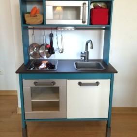 Офисная мини-кухня с мойкой
