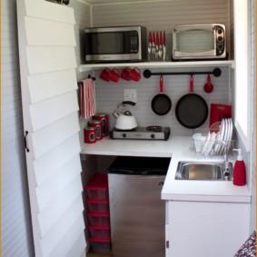 Дизайн крошечной кухни угловой планировки