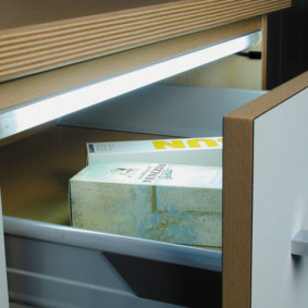 Подсветка выдвижного ящика кухонного гарнитура