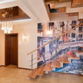 Фотообои на стене коридора с лестницей