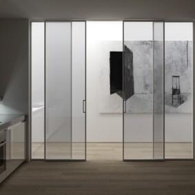 Прозрачные двери раздвижного типа