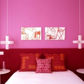Модульные картины на розовой стене