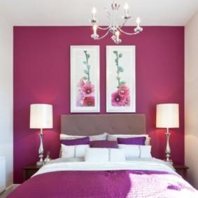 Модульные картины в интерьере спальной комнаты