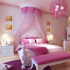 Декор картинами интерьера спальни