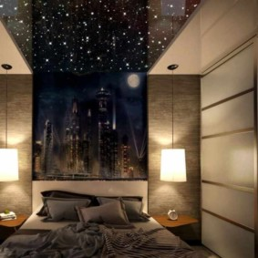 Красивая спальная комната без окон